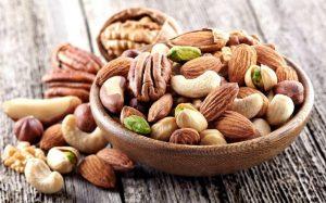 Врачи посоветовали есть орехи