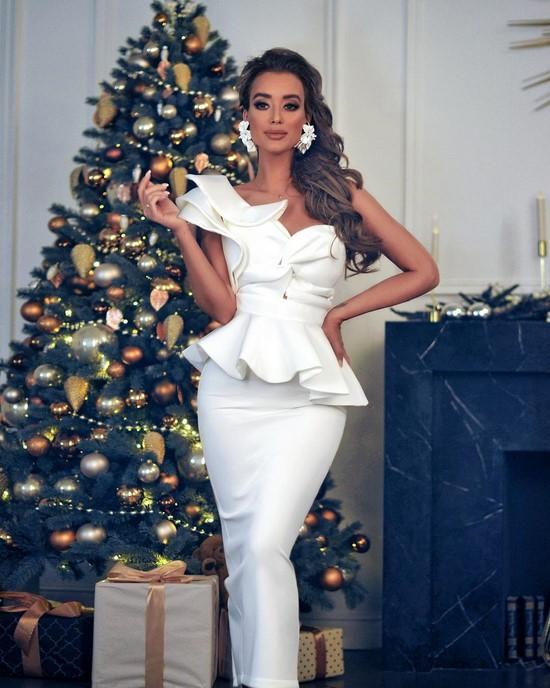 Весы новогоднее платье