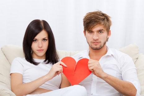Психологи рассказали о явных признаках развода