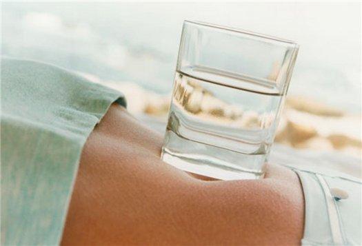 Способ № 4: Пей больше воды