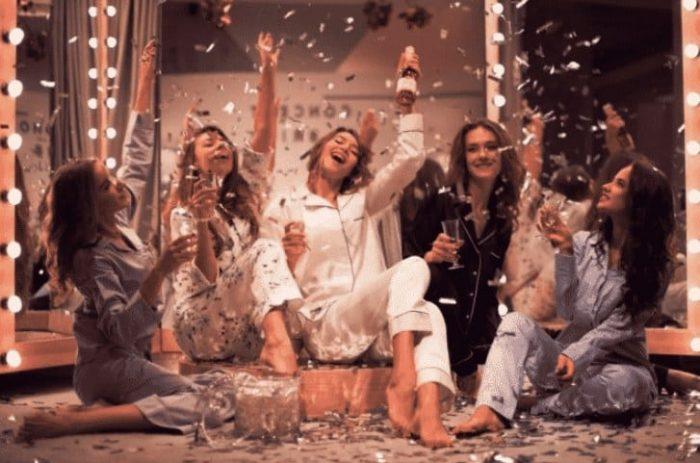 Празднование дня рождения в стиле пижамной вечеринки